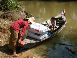 Aid after flood (6)